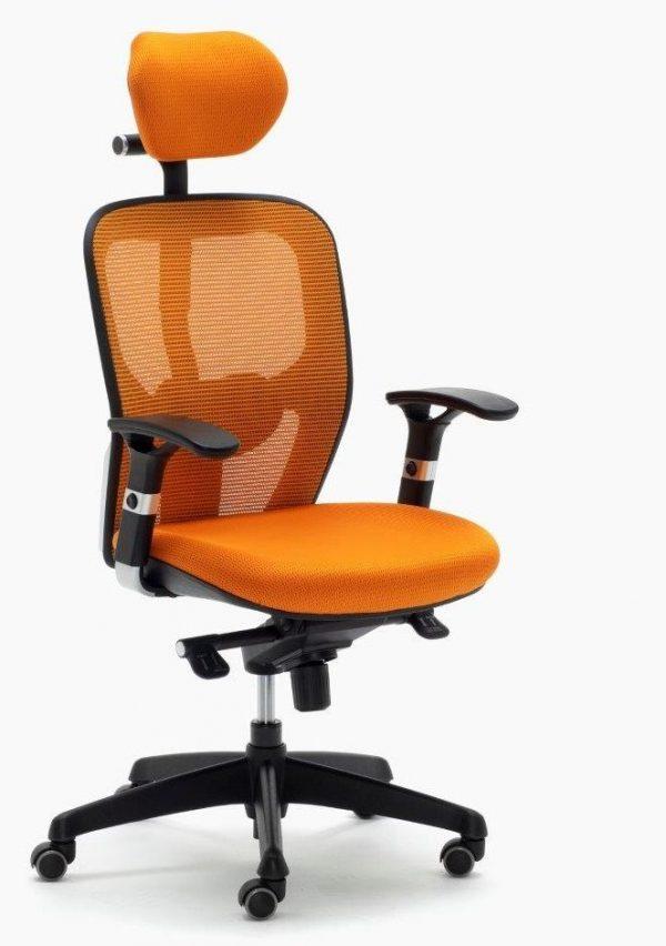 Sillas Boston CB sincro con brazos regulables color naranja respaldo con apoyo lumbar y con cabezal regulable.