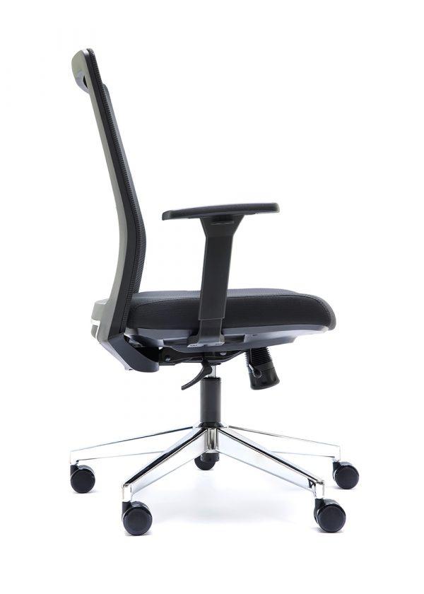 Silla NIZA B respaldo en malla negra asiento tapizado negro