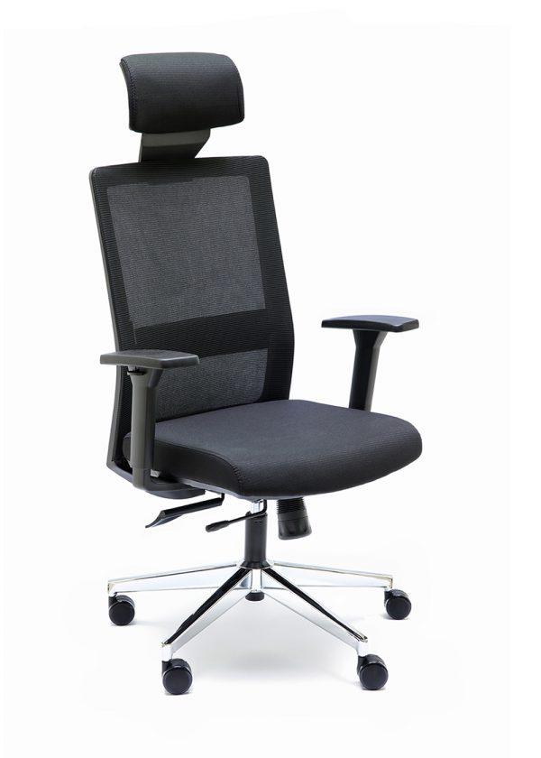 Silla NIZA B CB con cabecero respaldo negro asiento tapizado en color negro apoyo lumbar base cromada